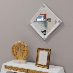 Espejo con marco Isabelino
