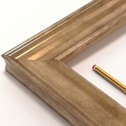 marco en madera dorado liso
