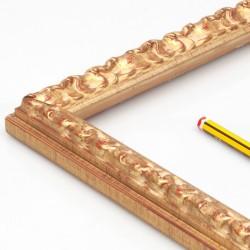 Marco madera labrado y dorado